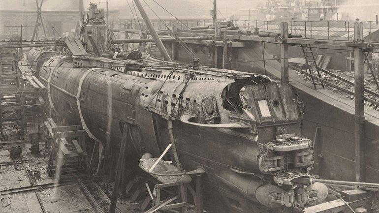 El U-boat 110 en los astilleros deBlohm & Voss, en Hamburgo